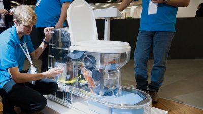 El WC de Bill Gates que transforma las heces en fertilizante y no requiere instalación