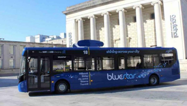 Go-Ahead, lanza el primer autobús capaz de limpiar el aire